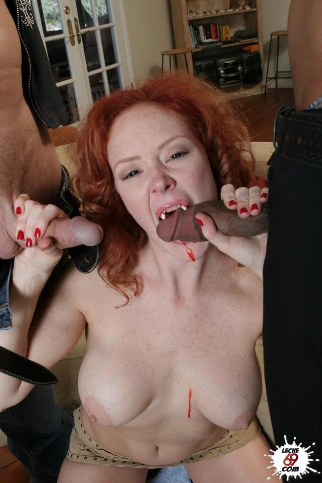 2 espanolas en directo ensenando las tetas y masturbandose - 1 part 9