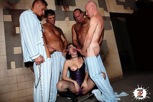 Chicas encadenadas folladas