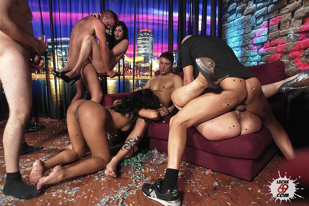 Русское порно в ночних клубах 11 фотография