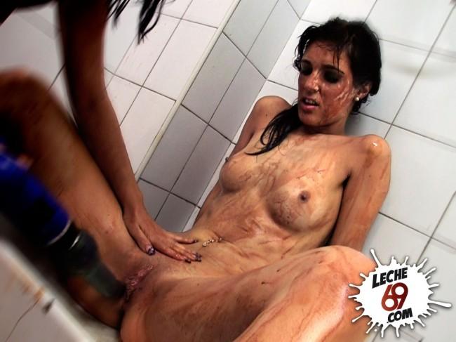 video de lucha de mujeres desnudas: