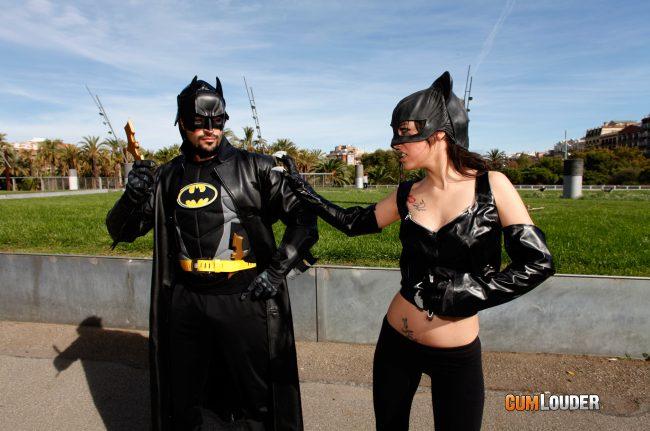 Catwoman española follando con Batman español